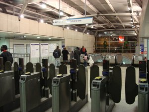 London_Underground_ticket_office,_Tottenham_Hale_station_-_geograph.org.uk_-_614568